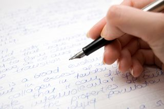 Why Do You Need an Online Writing Tutor for Dazzling Writing   Performances